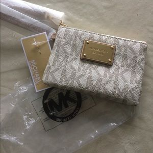 Michael Kors wristlet new with tags never used